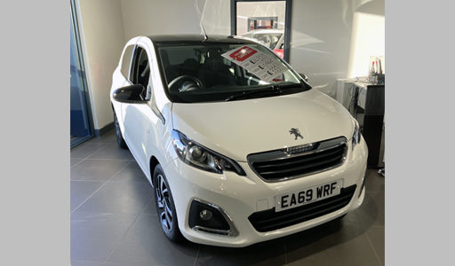 Pre-Reg Peugeot 108 Allure 5dr 1.0 72 in Diamond White – EA69 WRF